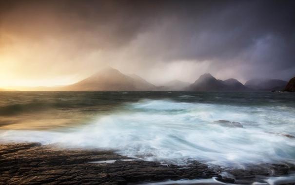 Фото обои море, волны, пейзаж, горы, шторм, рассвет, берег
