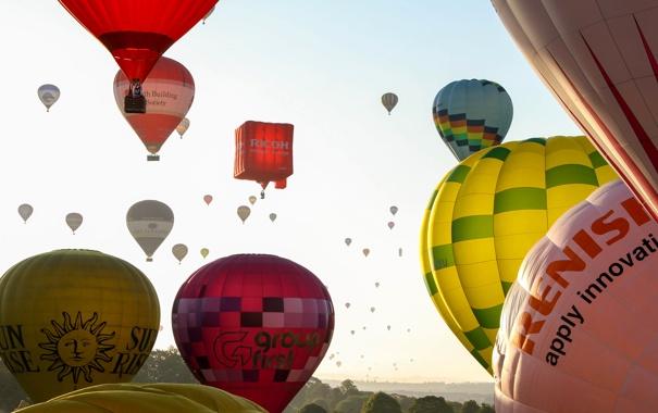 Фото обои небо, полет, пейзаж, воздушный шар