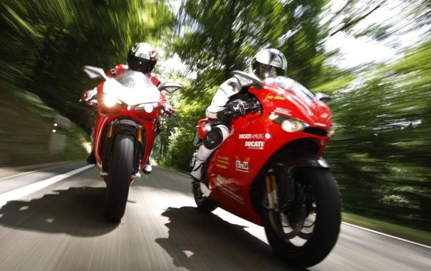 Фото обои фон, фары, скорость, размытие, ducati, спорт байки
