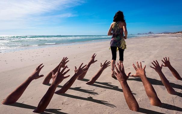 Фото обои море, девушка, руки