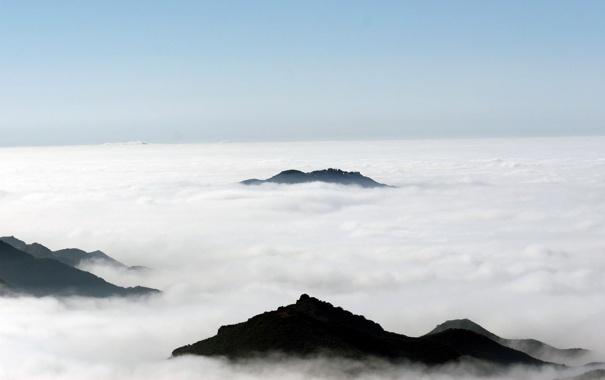 Фото обои тучи, Горы, вершины гор, над облоками