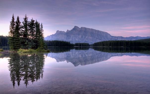 Фото обои лес, вода, закат, озеро, отражение, камни, гора