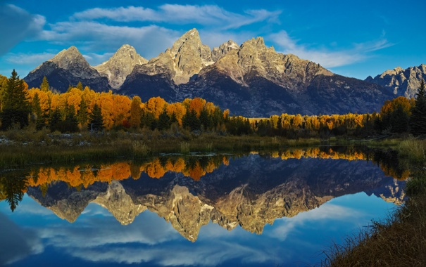 Фото обои осень, лес, небо, облака, горы, озеро