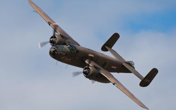 Фото обои небо, самолёт, американский, Норт Америкэн, двухмоторный, WW2, цельнометаллический