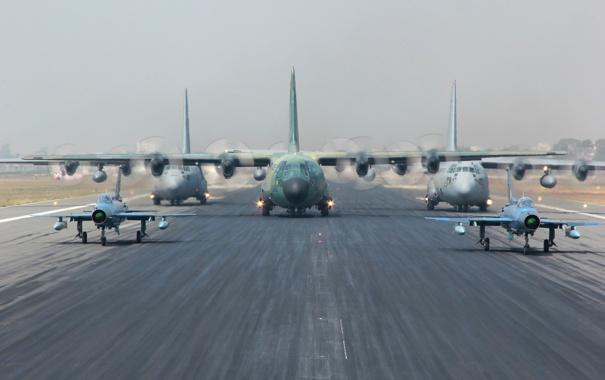 Фото обои авиация, аэродром, Hercules, C-130H, F-7BG, C-130B