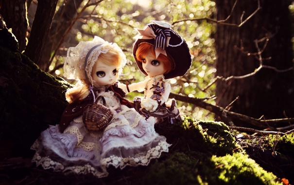 Фото обои природа, девочки, игрушки, куклы, платья, головные уборы