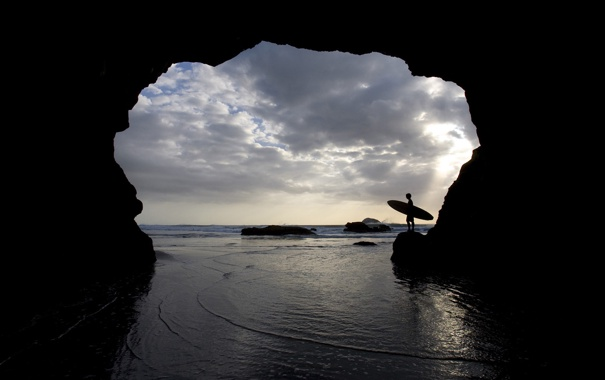 Фото обои море, волны, облака, скала, камни, пейзажи, человек