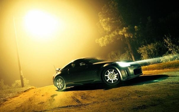Фото обои дорога, лес, туман, Nissan 350z, свет фар