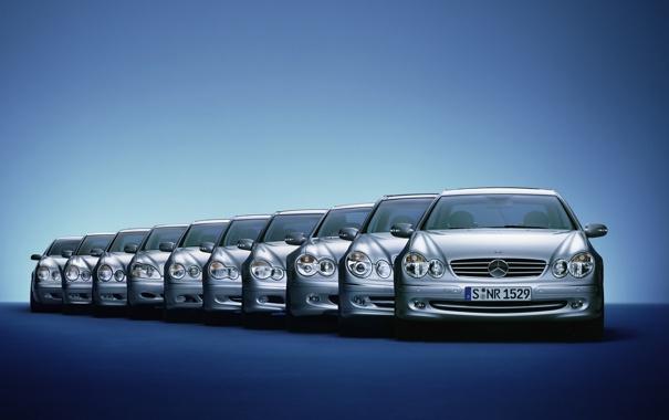 Фото обои машины, тачки, ряд, mercedes, синий фон, линейка, авто обои