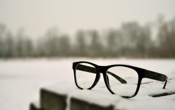 Фото обои макро, снег, очки, светлый фон, стекла
