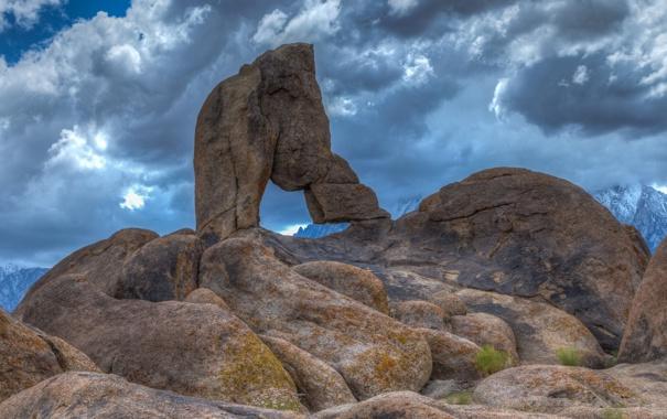 Фото обои небо, горы, тучи, камни, скалы, арка