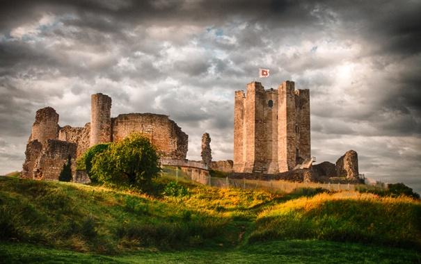 Фото обои трава, небо, Conisbrough Castle, забор, поле, Великобритания, башня