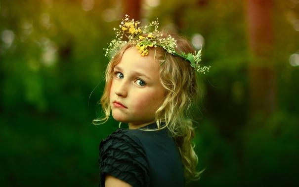 Фото обои взгляд, фон, настроение, портрет, девочка, венок