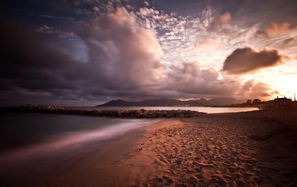 Фото обои море, облака, пейзаж, закат, берег