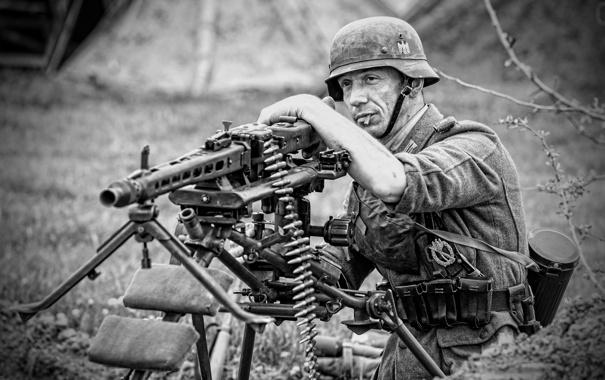 Фото обои солдат, немец, пулемёт, перекур, немецкий, MG 42, единый