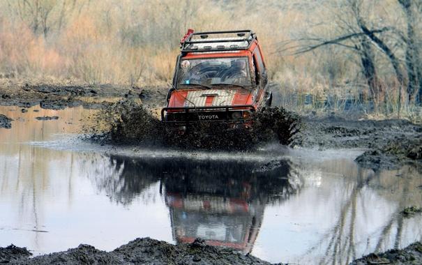 Фото обои болото, джип, внедорожник, jeep, 4x4, off-road, трофи