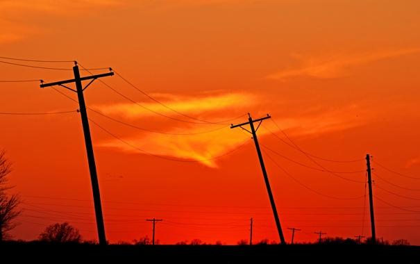 Фото обои небо, облака, столбы, провода, зарево
