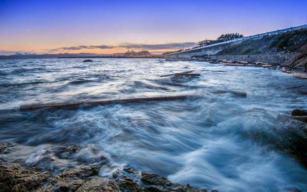 Фото обои море, огни, берег, вечер, залив, сумерки