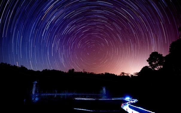 Фото обои дорога, деревья, круги, ночь, огни, съемка, звездное небо