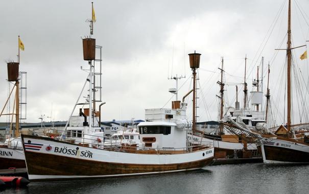 Фото обои корабли, причал, порт, катера, Исландия, Хусавик
