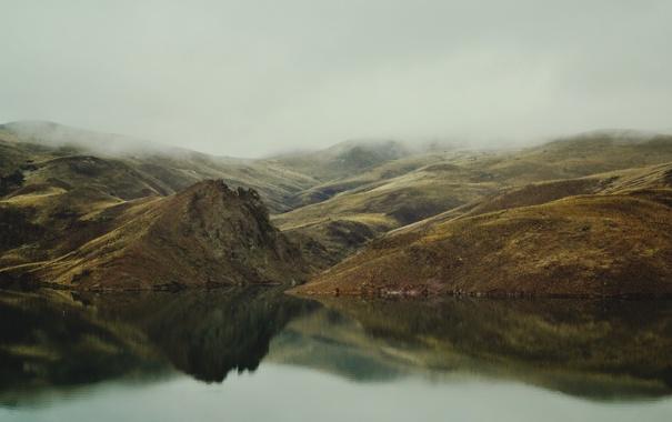 Фото обои туман, озеро, холмы
