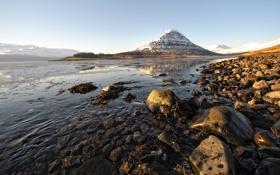 Картинка вода, снег, река, камни, гора, вершина