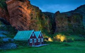 Обои небо, огни, скала, вечер, домик, Исландия, Iceland