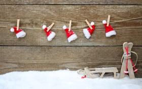 Обои снег, праздник, игрушки, лыжи, Новый Год, Рождество, красные
