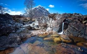 Картинка дно, камни, водопад, ручей, горы, дерево