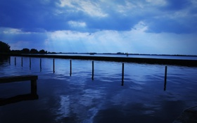 Картинка небо, вода, облака, свет, пейзаж, природа, река