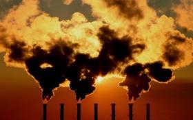 Картинка небо, солнце, трубы, дым, Завод