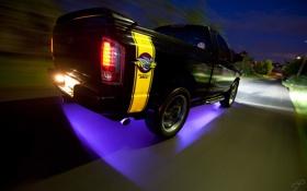 Картинка ночь, джип, Dodge, трасса.