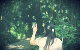 Обои девушка, деревья, природа, фон, обои, настроения, брюнетка
