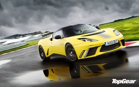 Обои Lotus, водитель, top gear, телепередача, стиг, the stig, Lotus Evora GTE