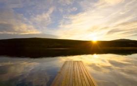 Обои небо, вода, солнце, лучи, пейзаж, закат, природа