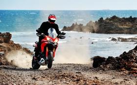 Обои море, берег, мотоцикл, moto, гонщик, ducati, 1920x1080