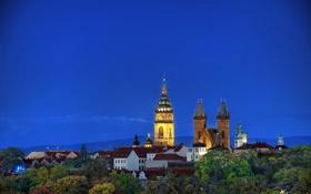 Обои деревья, горы, дома, Чехия, часовня, Czech, небо.