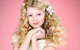 Обои волосы, кудри, локоны, цветы, руки, девочка
