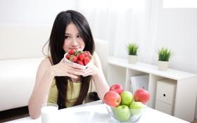 Картинка яблоки, Девушка, интерьер, клубника, кухня, фрукты