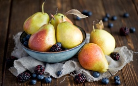 Картинка ягоды, черника, посуда, фрукты, натюрморт, груши, ежевика