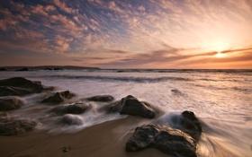 Картинка камни, пляж, небо, океан, волны, море