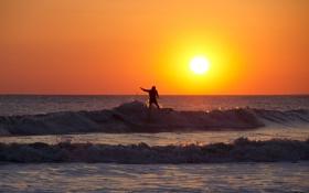 Обои волны, закат, горизонт, серфер, экстремальный спорт, доска для серфинга, оранжевое небо