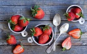 Картинка ягоды, клубника, ложки