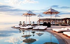 Обои pool, beautiful, refections, parasols, sun beds