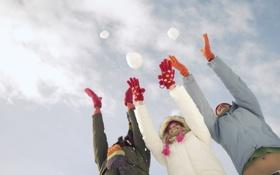 Обои зима, небо, радость, компания, погода, веселье, winter