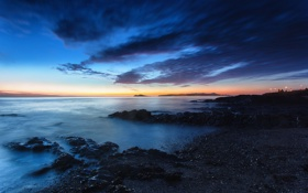 Обои море, берег, огни, рассвет, облака