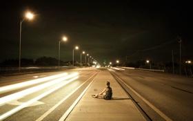 Обои девушка, ночь, город, одиночество, трасса, фонари