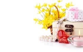Обои цветы, коробка, сердце, свеча, шкатулка, бусы, корзинка