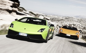 Картинка дорога, небо, горы, оранжевый, Lamborghini, зелёный, суперкар