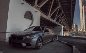 Картинка машина, мост, фары, BMW, БМВ, фотограф, перед